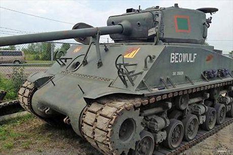 Chiem nguong xe tang hang trung M4A2 Sherman cua My va Canada - Anh 3