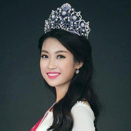Hoa hau Do My Linh cat toc ngan, khoe nhan sac rang ro - Anh 1