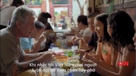'Bun chui' noi tieng Ha Noi duoc khen tren truyen hinh My - Anh 1