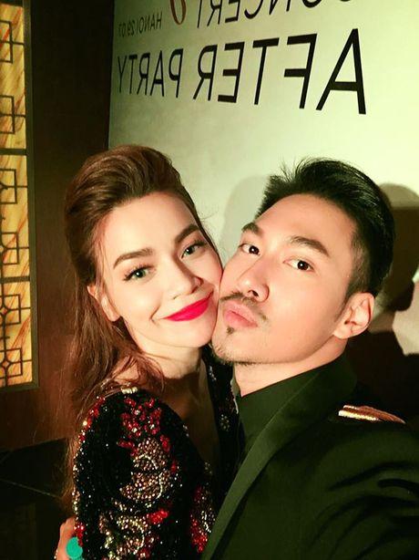 Choang hanh dong tao bao cua Ha Ho voi 'chong nguoi ta' - Anh 5