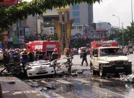 Vu no taxi o Quang Ninh: 'Toi tuong no cay xang' - Anh 1