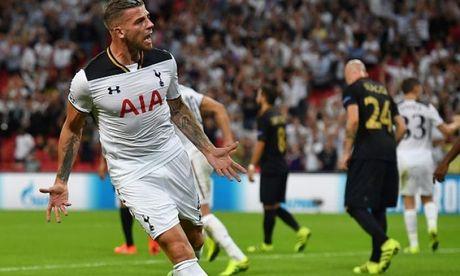 Doi hinh tieu bieu vong 7 Premier League: Tottenham dat the thong tri - Anh 2
