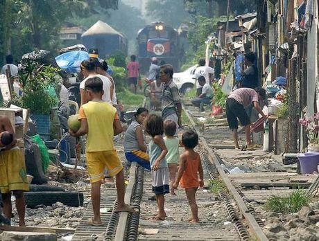 Ngot ngat cuoc song chen chuc o thu do Manila - Anh 11