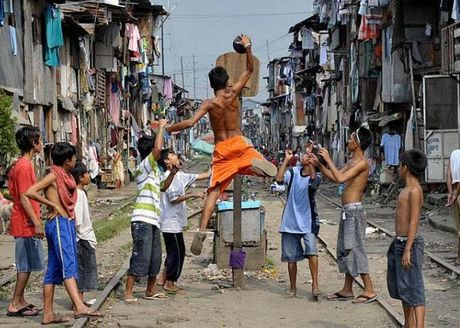 Ngot ngat cuoc song chen chuc o thu do Manila - Anh 3
