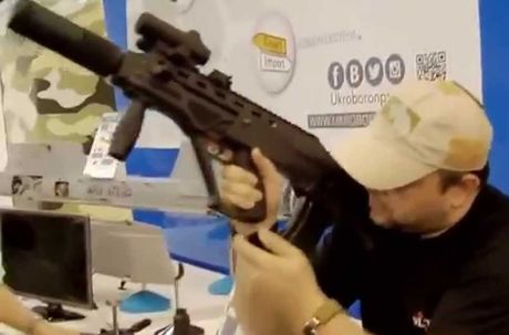 Ukraine tham vong thay the AK-74M bang sung truong Malyuk - Anh 5