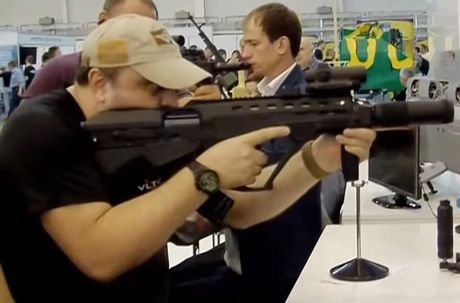 Ukraine tham vong thay the AK-74M bang sung truong Malyuk - Anh 7
