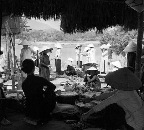 Hinh anh tuyet voi ve xu Hue dau thap nien 1950 - Anh 8