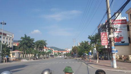 Vu no xe taxi o Quang Ninh qua loi ke cua nguoi thoat chet - Anh 2