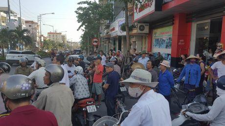Vu no xe taxi o Quang Ninh qua loi ke cua nguoi thoat chet - Anh 3