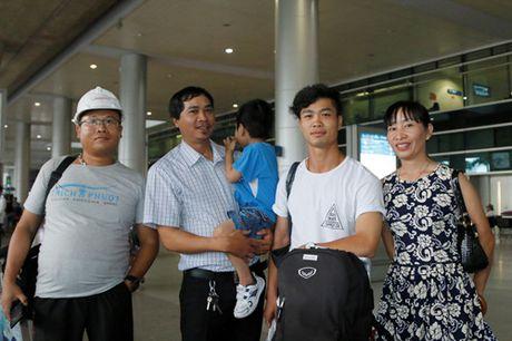 Cong Phuong deo khuyen tai sanh dieu, Tuan Anh bit khau trang kin mit - Anh 4