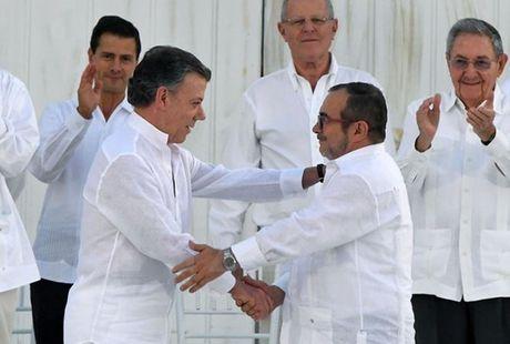 Hon 50% cu tri Colombia bac thoa thuan hoa binh voi du kich FARC - Anh 1