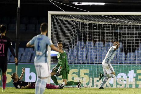 Thua tran cau 7 ban thang, Barcelona vuot ngoi dau La Liga - Anh 4