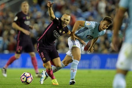 Thua tran cau 7 ban thang, Barcelona vuot ngoi dau La Liga - Anh 6