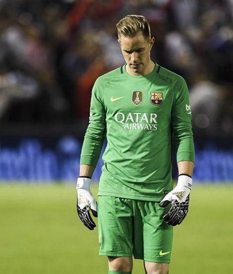 Thua tran cau 7 ban thang, Barcelona vuot ngoi dau La Liga - Anh 8