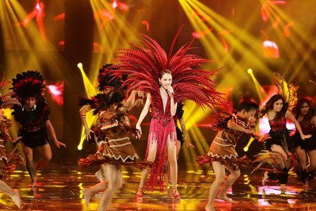 Man nhan voi Liveshow 12 ty cua Dam Vinh Hung - Anh 25