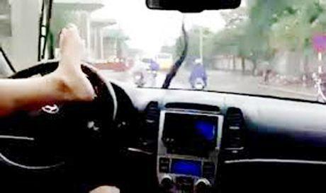 Trieu tap tai xe lai xe tai bang chan tren cao toc'cho vui' - Anh 1