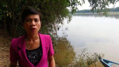 Hang chuc ngoi nha o Quang Nam nguy co troi song vi sat lo - Anh 2