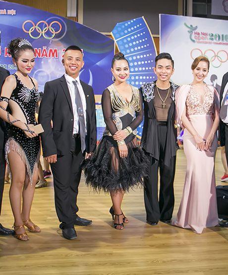Khanh Thi khoe kheo dong ho 500 trieu Phan Hien tang - Anh 10