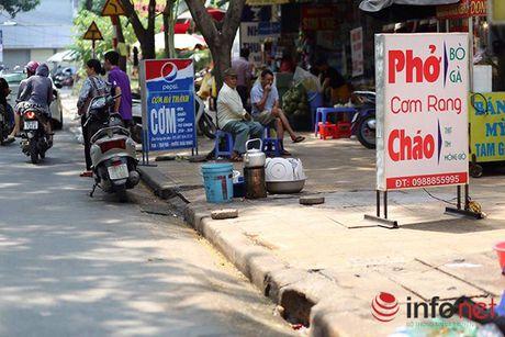 Hoang hon 'bay giet nguoi' co khap noi tren pho phuong Ha Noi - Anh 1
