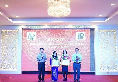 Tien si - duoc si Nguyen Thi Ngoc Tram: Trinh nu hoang cung da 'am anh' toi - Anh 1