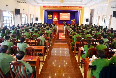 Gan 200 hoc vien tham du lop boi duong nghiep vu to chuc xay dung Dang - Anh 1