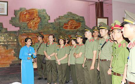Cong doan Tong cuc Chinh tri CAND ve nguon tai Quang Binh, Quang Tri - Anh 11
