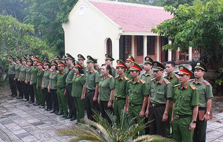 Cong doan Tong cuc Chinh tri CAND ve nguon tai Quang Binh, Quang Tri - Anh 3