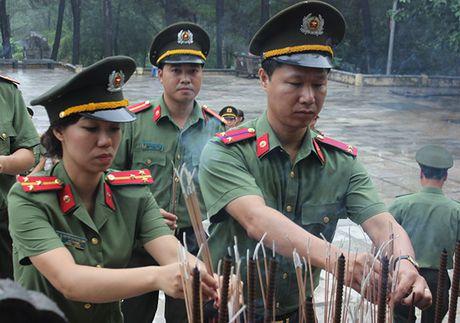 Cong doan Tong cuc Chinh tri CAND ve nguon tai Quang Binh, Quang Tri - Anh 6