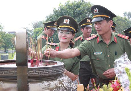 Cong doan Tong cuc Chinh tri CAND ve nguon tai Quang Binh, Quang Tri - Anh 8