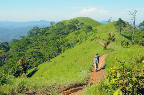 Cung duong trekking dep nhat Viet Nam 'hop hon' phuot thu - Anh 6