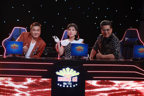 Ly Hung phong do o tuoi 47, bi Viet Huong om chat - Anh 6