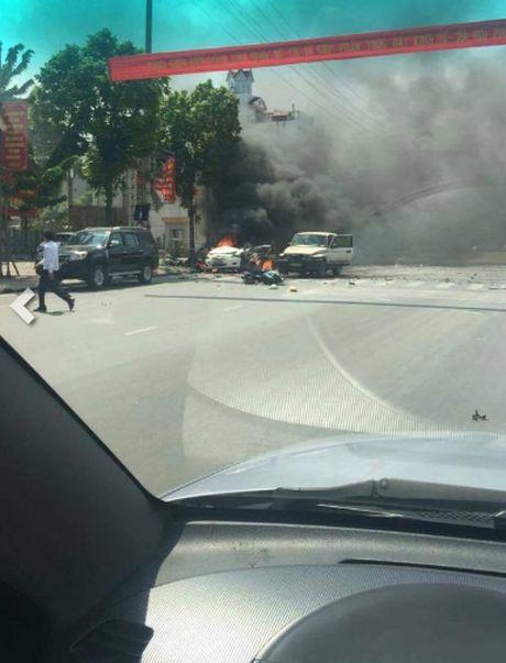 Hien truong tham khoc vu taxi phat no o Quang Ninh - Anh 6