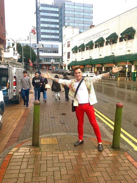Lam Chan Huy 'nghien' mua sam tai Anh - Anh 5