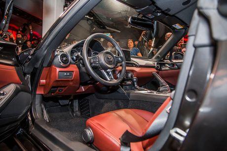 Mazda MX-5 Miata RF Launch Edition ban 2017 chi ban ra 1000 chiec - Anh 18