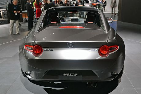 Mazda MX-5 Miata RF Launch Edition ban 2017 chi ban ra 1000 chiec - Anh 8