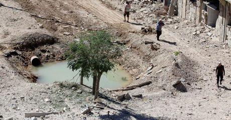 Syria: Thanh pho Aleppo tiep tuc hung chiu bom dan cua Nga va Damas - Anh 1