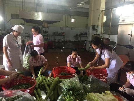 Cang tin benh vien: Lam sao hai hoa chi phi va chat luong? - Anh 2