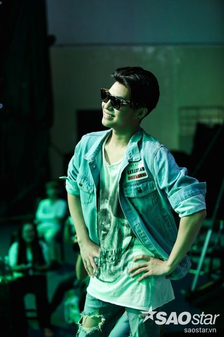 Noo Phuoc Thinh cam dong suyt khoc truoc mon qua dac biet cua Top 6 The Voice Kids va cac fan - Anh 5
