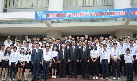 Chu tich Nuoc Tran Dai Quang tro chuyen voi sinh vien Dai hoc Quoc gia TPHCM - Anh 2