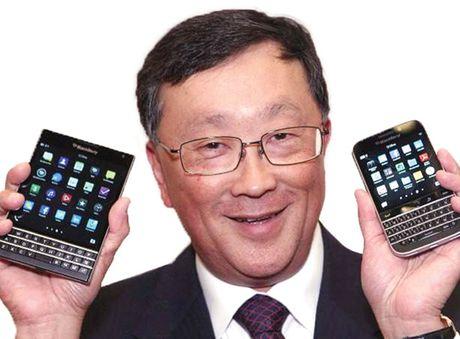 Thoi hoang kim da tat, CEO John Chen chon cho dung moi cho BlackBerry - Anh 1