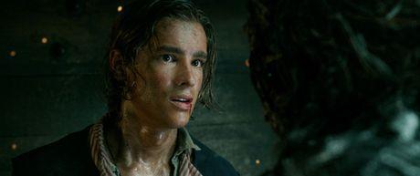 Johnny Depp xuat hien chop nhoang trong teaser 'Cuop bien vung Caribe 5' - Anh 3