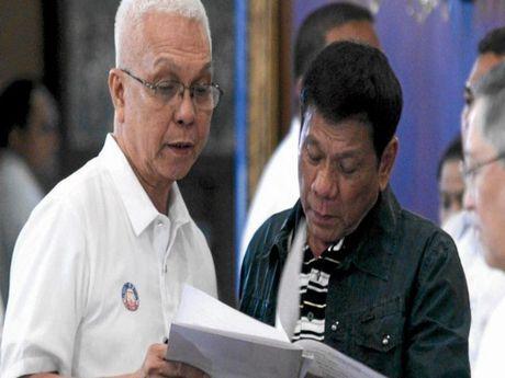 Tiet lo doi tuong am muu lat do ong Duterte - Anh 1