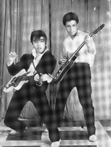 Elvis Phuong tai hien cac ban hit cua ban nhac Phuong Hoang - Anh 1