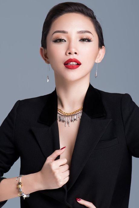 Toc Tien quyen ru voi BST trang suc bac tinh te - Anh 2