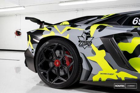 Lamborghini Aventador SV thay dien mao, do cong suat - Anh 6