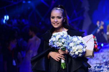 Ngoc Chau danh bai hotgirl 1m54 dang quang Next Top Model - Anh 1