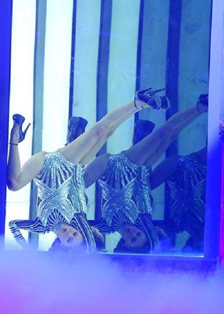 Ngoc Chau danh bai hotgirl 1m54 dang quang Next Top Model - Anh 3