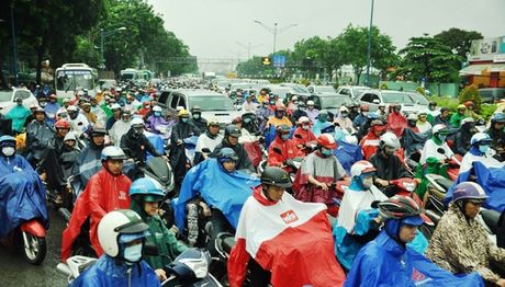 TPHCM: Sang dau tuan, dan khon kho dam mua - Anh 3
