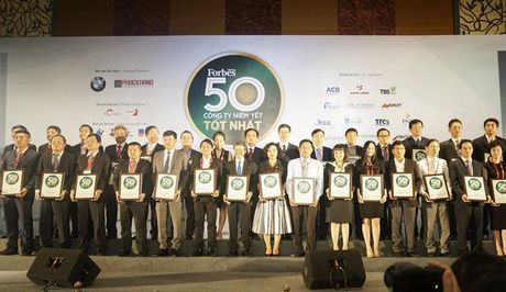 PVFCCo nhan giai 'Top 50 cong ty niem yet tot nhat Viet Nam' - Anh 2