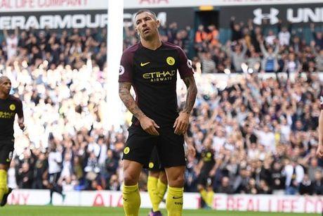 Guardiola: 'Man City khong hoan hao. Chung toi yeu hon Tottenham nhieu' - Anh 1